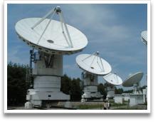 国立天文台野辺山のミリ波干渉計(直径10m)