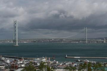 明石SAから見た明石海峡大橋
