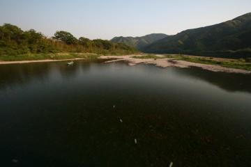 佐田沈下橋から見た四万十川