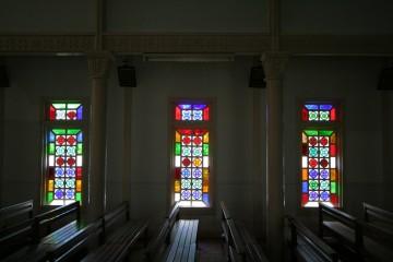 貝塚教会のステンドグラス